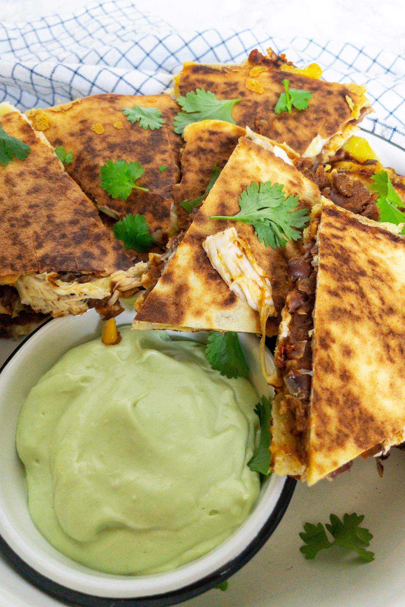 Quesadilla's met kip en chili